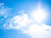強い日差しと紫外線の画像