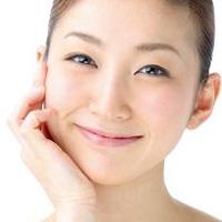 キレイな肌の女性の画像
