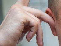 耳の洗浄の画像