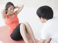 腹筋運動をする画像